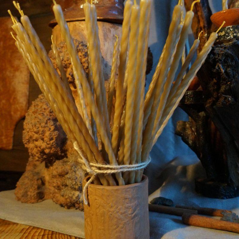 Церковные свечи из пчелиного воска